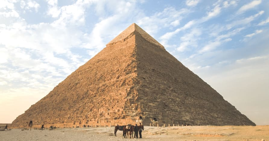 Top 6 egyptiläistä teemoitettua kolikkopeliä vuonna 2021