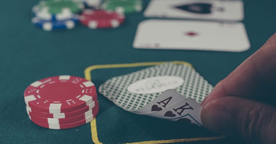 3 tehokasta pokerivinkkiä, jotka sopivat täydellisesti mobiilikasinolle