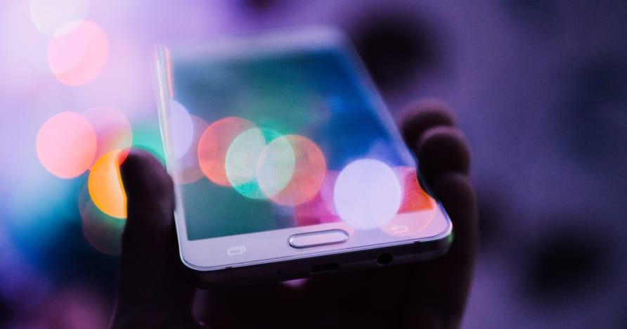 Miksi online-pelaajat ovat siirtymässä mobiilipelaamiseen?