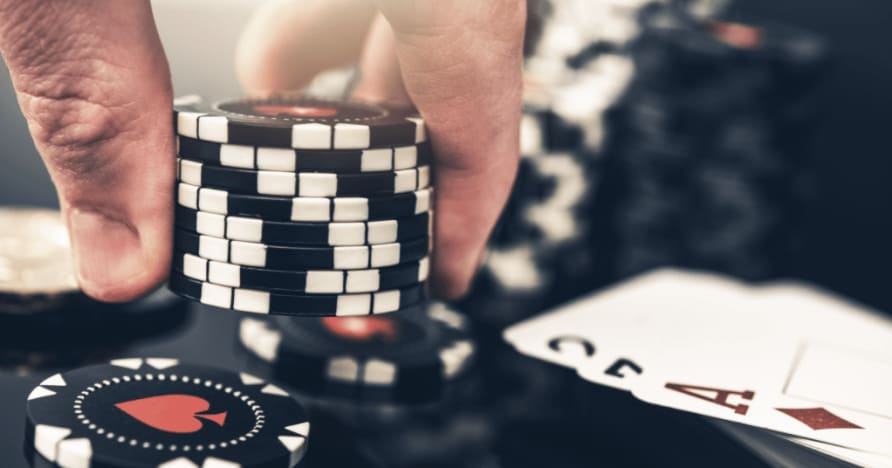 5 suurinta eroa pokerin ja blackjackin välillä