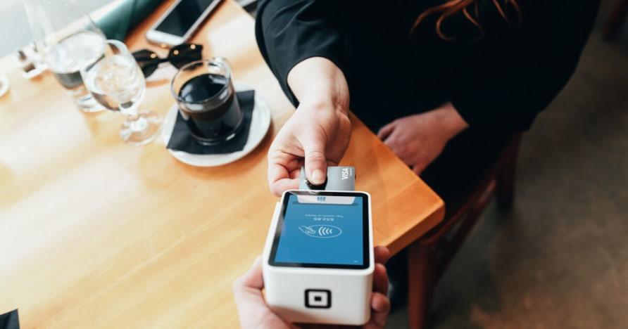 Mobile Payment Teknologia ja edut Mobiilimaksaminen