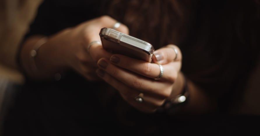 Syitä aloittaa online-kasinon pelaaminen mobiililaitteella